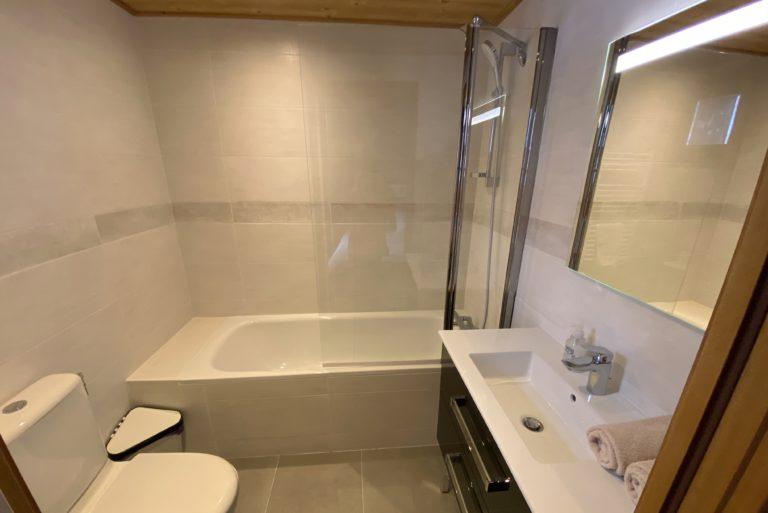 Chalet Le Vallon bedroom 2 ensuite