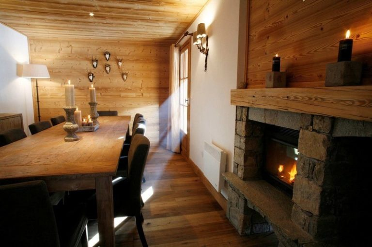 Chalet Le Vallon dining room