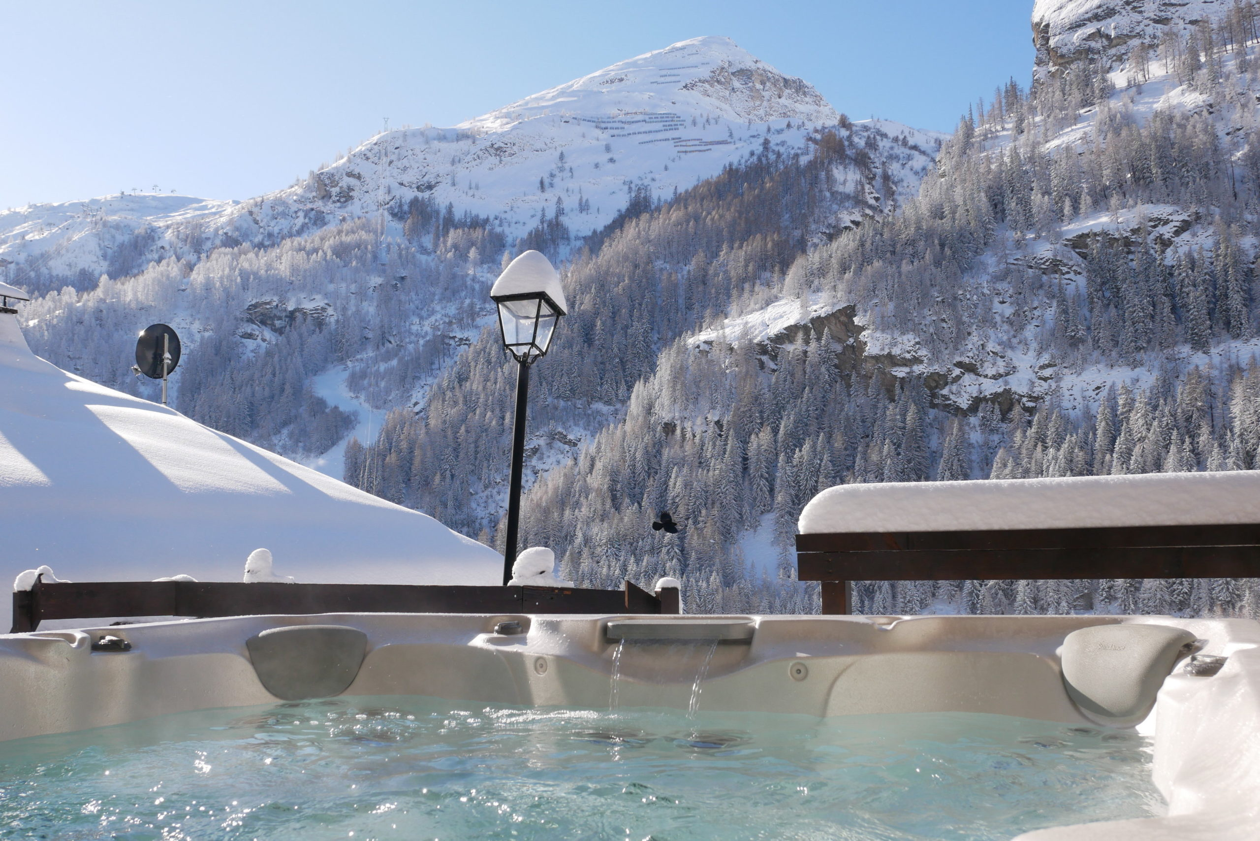 Chalet Sundance hot tub